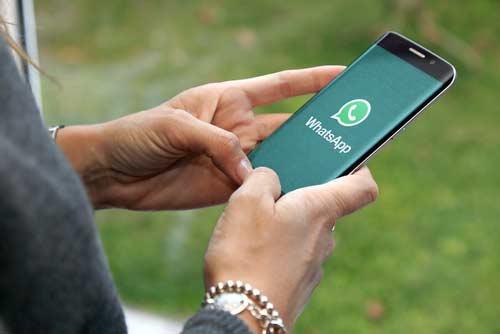espiar WhatsApp en un teléfono móvil