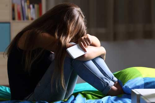 vigilar teléfono móvil de mi hija